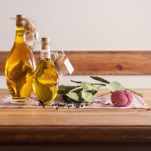 bayleaves-olive-oil